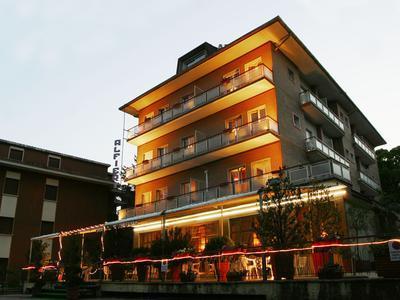 hotel zu verkaufen in italien fiuggi terme italy. Black Bedroom Furniture Sets. Home Design Ideas