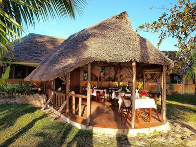 Complexe Hotelier Bungalows Restaurant Bar Tres Repute A Vendre Sur La Cote Ouest De Lile Sainte Marie Un Hotspot Touristique Majeur Madagascar